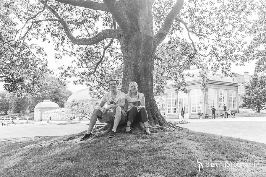 Engagement photography at the Botanical Gardens Sheffield