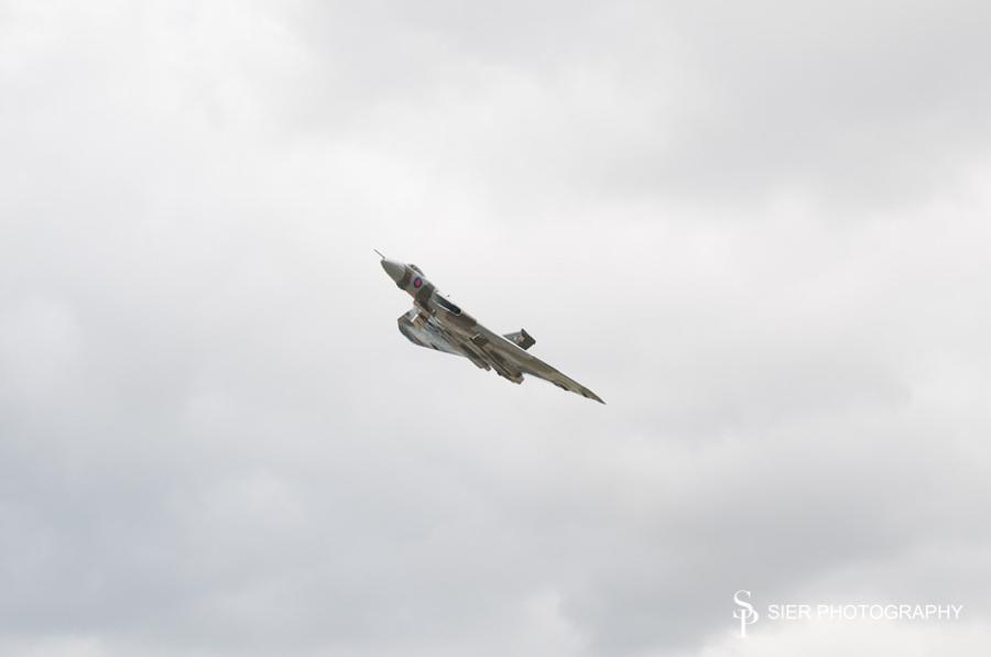 vulcan_XH558-2